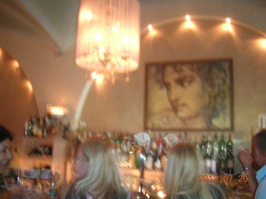 Friends Bar: Friends