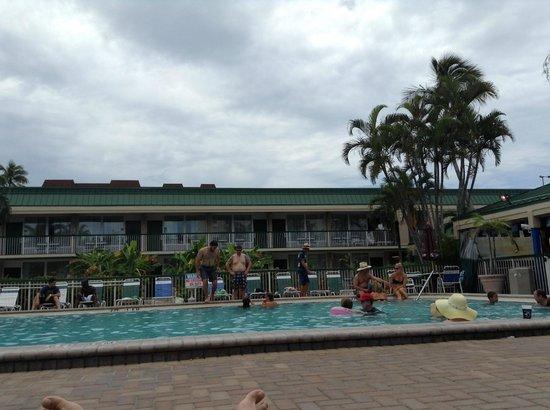 Wyndham Garden Fort Myers Beach: piscine de l'hôtel