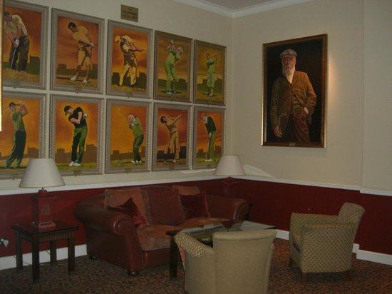 Macdonald Rusacks Hotel: Enjoy the Art