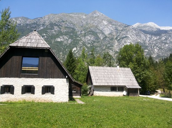 Pristava Lepena: Nice farm house in the Soca river valley