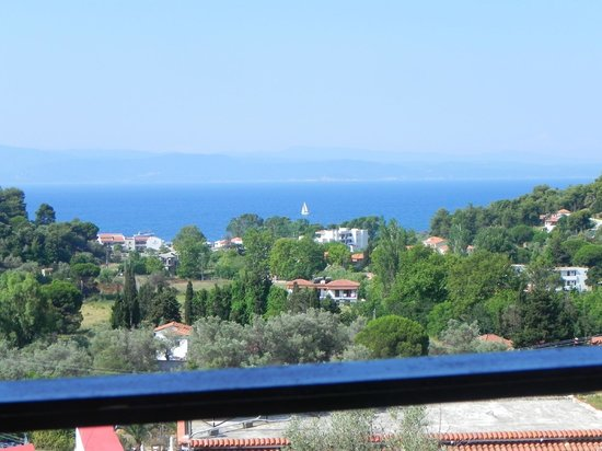 Filia Studios & Apartments: View from our balcony, it was a WOW factor when Christos took us to it