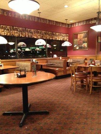 Perkins Restaurant & Bakery: intérieur du resto