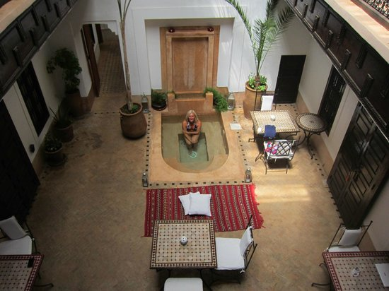 Riad Les 5 Soeurs: One of the plunge pools