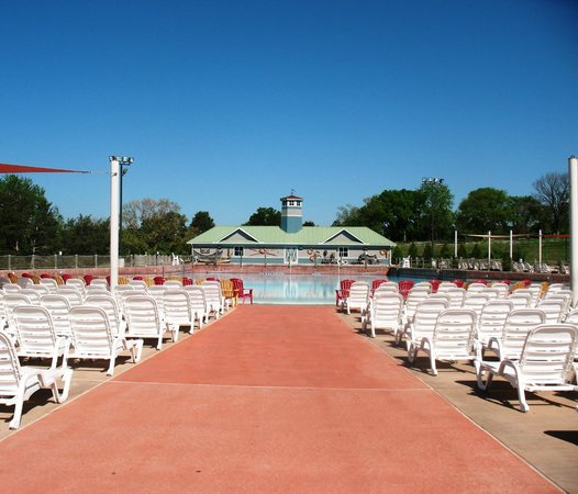 Nashville Shores Lakeside Resort: Wave Pool