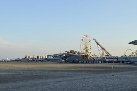 Riviera Resort & Suites : Morey's Pier