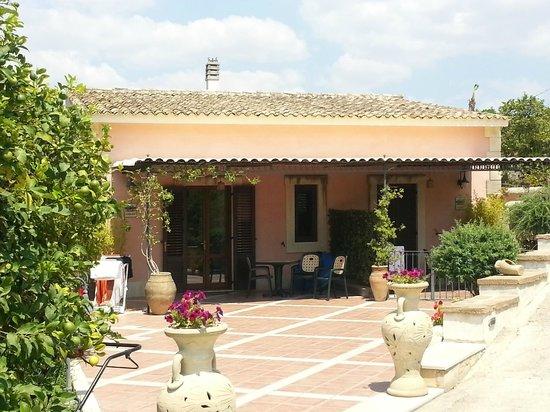 AgriResidence Valle Degli Dei: Apartament Artemida