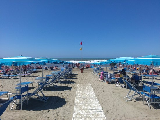 """Hotel Pineta Mare : Spiaggia_Ombrelloni - """"Bagno Sole"""""""
