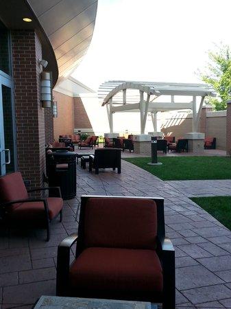 Courtyard Omaha La Vista: Patio