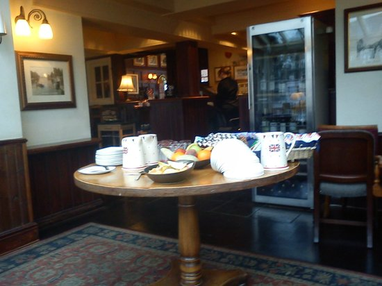 The Swan Hotel: Selection of Fruits and Cereals