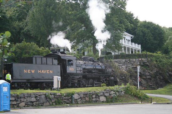"""Essex Steam Train & Riverboat: Chinese-built """"New Haven"""" replica loco"""