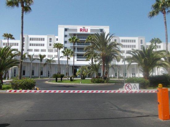 ClubHotel Riu Gran Canaria: Outside of hotel