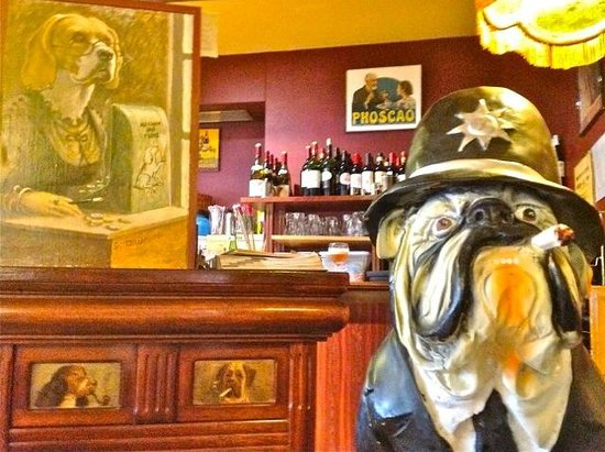 Au Chien Qui Fume: I sat next to a big bulldog with a cigar. They served also outside.