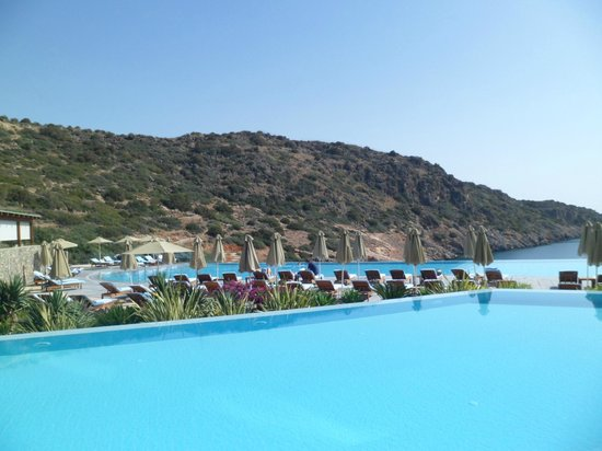 Daios Cove Luxury Resort & Villas: Pool Bar