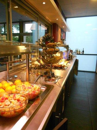 Logis Florel : breakfast buffet