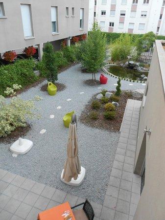 Logis Florel : garden view
