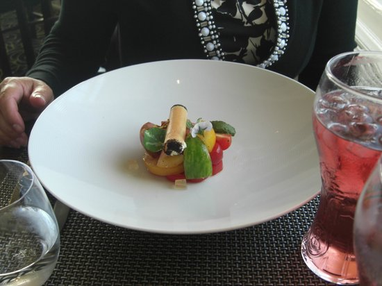 Rocca Restaurant: Appetizer: tomatoes - really - order!