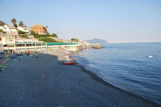 "Génova, Italia: Spiaggia ""Bagni Europa"""