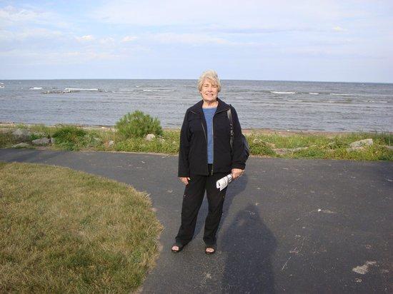 Schloegel's Bay View Restaurant: Spouse In Garden Beach Area