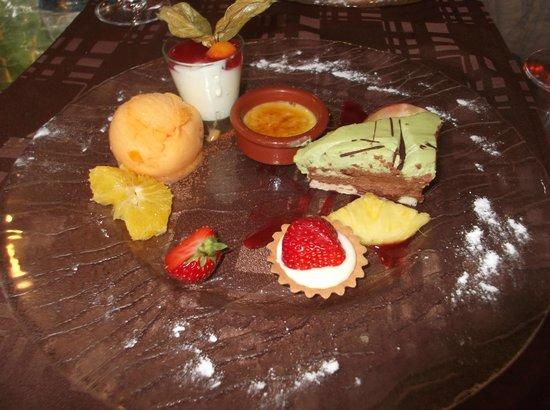 Le Relais des Gourmets: Dessert at Le Relais de Gourmets Ambares-et-Lagrave