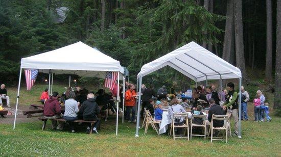 Alta Crystal Resort at Mount Rainier: Thursday Night BBQ