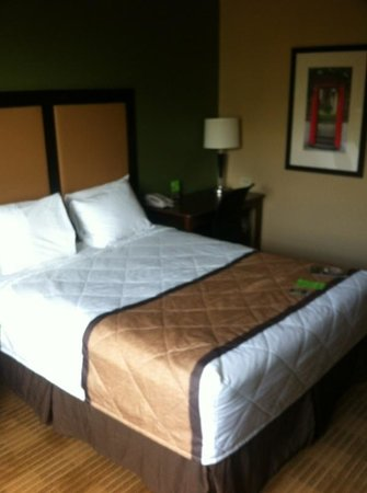 Extended Stay America - Ft. Lauderdale - Convention Center - Cruise Port: Bed very comfy.