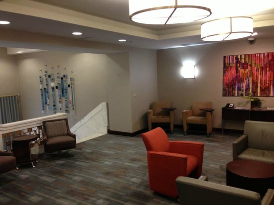 Club Quarters Hotel, Wacker at Michigan : Combined business center/lounge on second floor--very nice