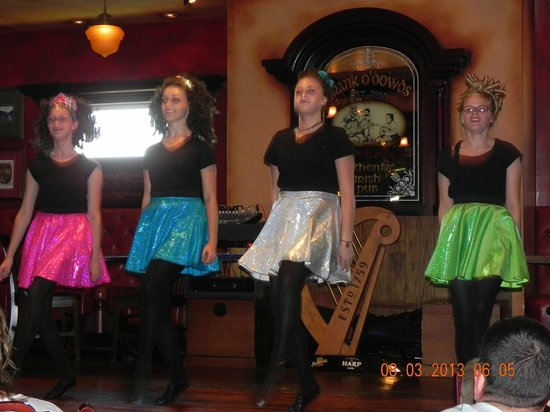 Irish Cottage Boutique Hotel: The Irish dancers after our supper