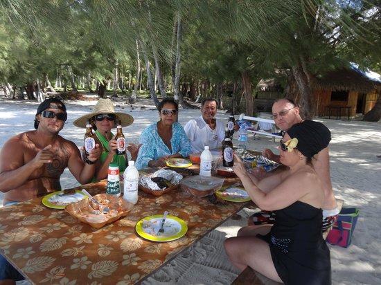 Bora Bora Fishing Paradise Lodge : pique-nique sur un motu
