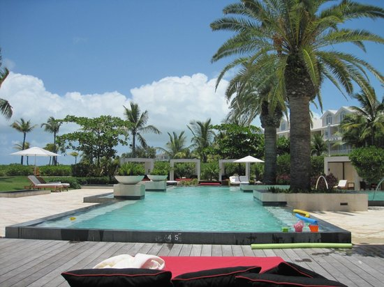Villa del Mar: Pool at GCB