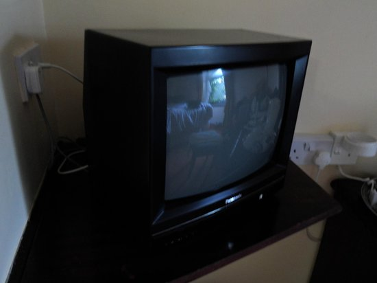 Towers Hotel : 1980s style portable TV in bedrooms