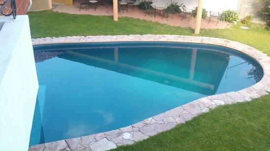 Foto de suites xadani san felipe del agua la alberca es - Salfuman para limpiar piscinas ...