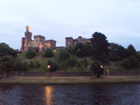 Best Western Inverness Palace Hotel & Spa: Castle