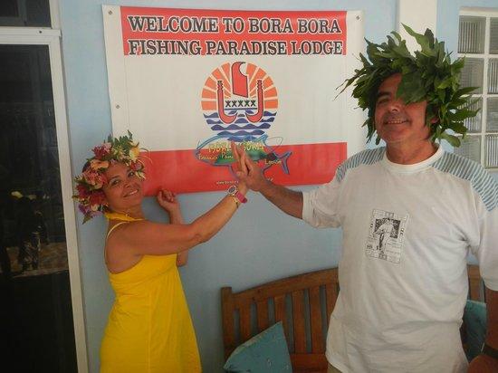 Bora Bora Fishing Paradise Lodge: Demonstration des  couronnes