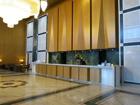 Divani Caravel Hotel: Lobby