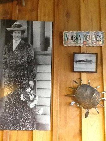 Alaska Nellie's Roadhouse: Alaska Nellie's