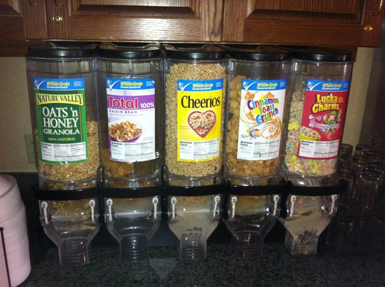 Country Inn & Suites By Carlson, Bentonville South: Cold cereal selection