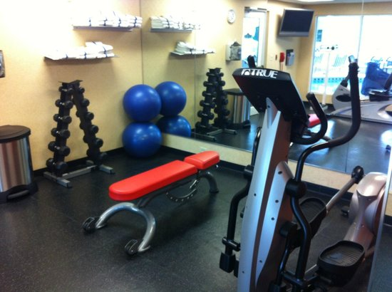 Country Inn & Suites By Carlson, Bentonville South: Hotel gym