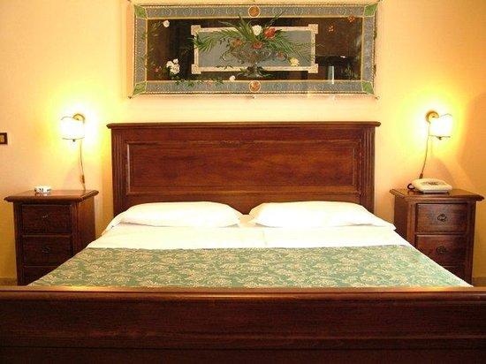 Hotel del Centro: Guest Room
