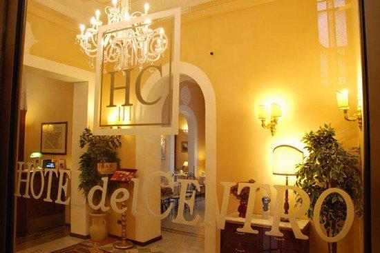 Hotel del Centro: Interior View