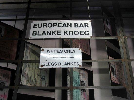 南アフリカの歴史に影を落とすアパルトヘイト