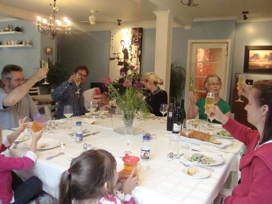 Haven on the Bay B&B: Dining room - group event