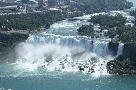 Niagara Falls Marriott Fallsview Hotel & Spa: The American Falls