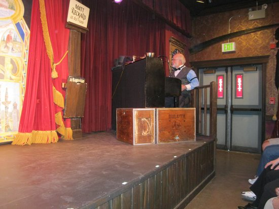 Palace Theatre: Show pianist and comedian