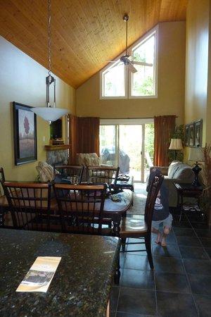 Oceanside Village Resort: A view from the door