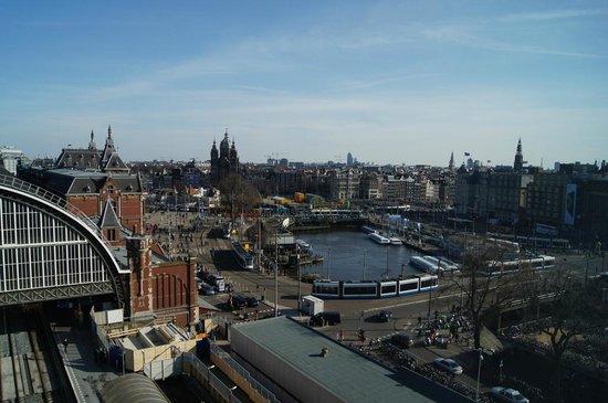 Ibis Amsterdam Centre: Stationsplein, view from hotel window