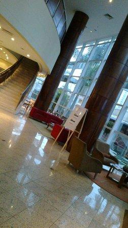 Tryp Sao Paulo Nacoes Unidas Hotel: Parte da recepção