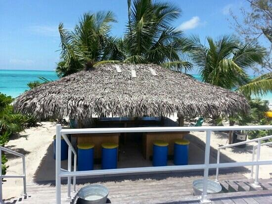 Tail Winds Resort: tiki bar