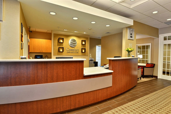 Comfort Inn & Suites North Conway: Front Desk