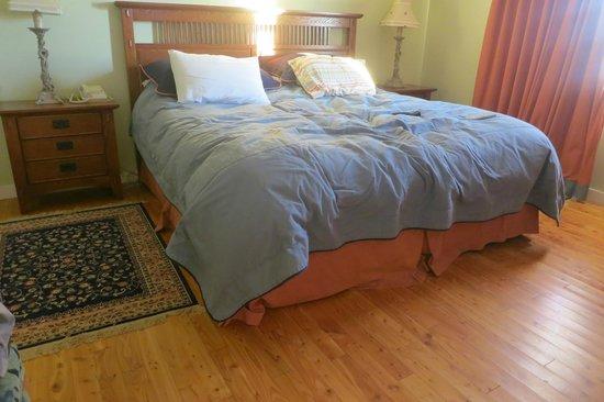 Island Sunset Resort: Bedroom