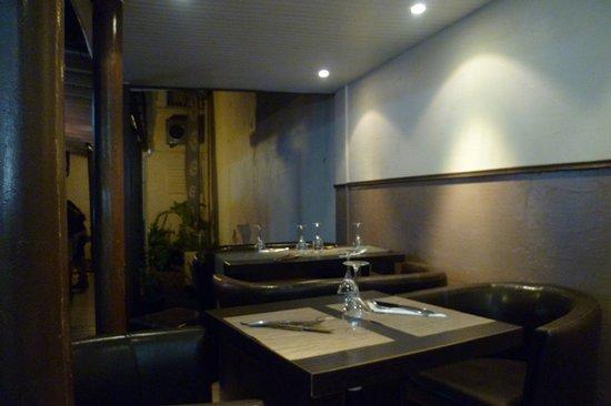 Bacchus Bar : Tables